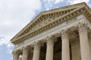 Palais de justice à Nîmes